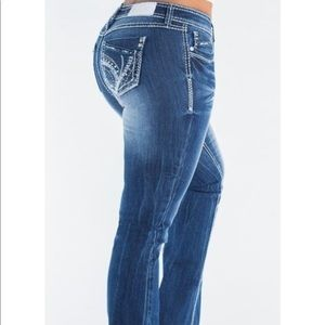 Flare jeans with belt